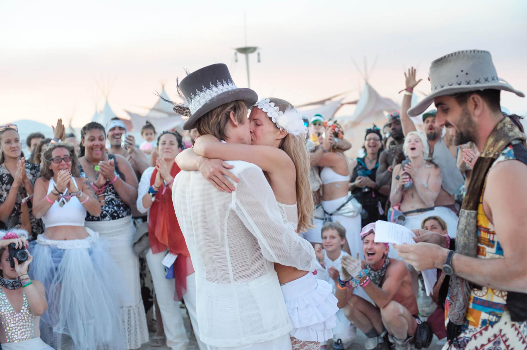 Burning Man Wedding on the Playa in Black Rock City, Nevada (22)